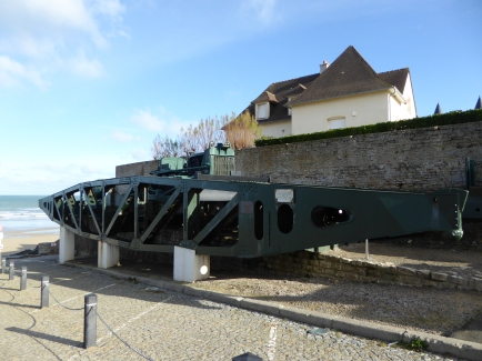 Pontoon (Mulberry harbour)
